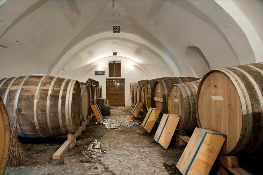 3 TRADITIONAL WINERIES